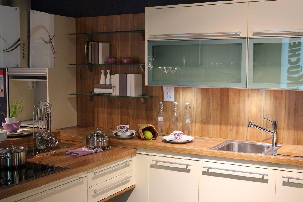 Como organizar armários de cozinha - bancada
