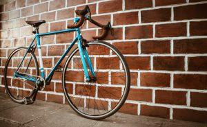 Como transportar bicicletas em rodovias